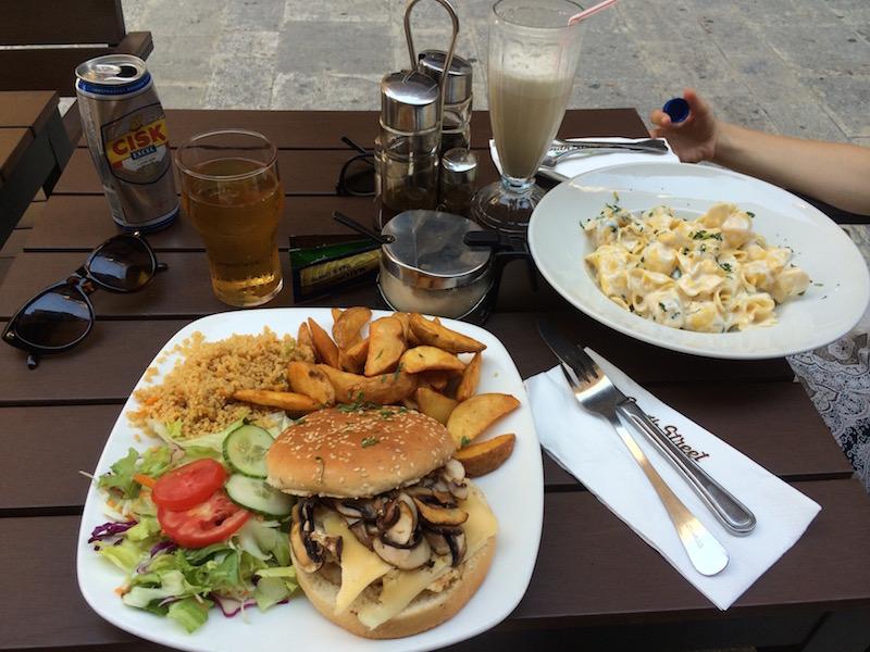 restaurant malta valletta